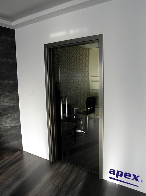 Celosklené dvere zásuvné do steny
